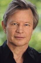 Майкл Йорк (Michael York, Michael Hugh Johnson)