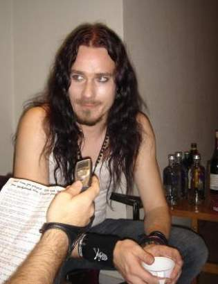 Тип: Бальзак, ИЛИ Подтип: ИЛ           Мужчина  Туомас Холопайнен (Tuomas Holopainen)