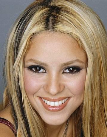 Тип: Робеспьер, ЛИИ Подтип: СЛ           Женщина  Шакира (Shakira Isabel Mebarak Ripoll)